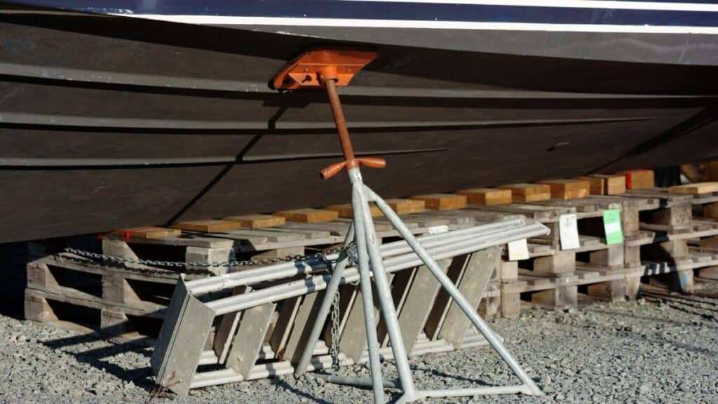 Moving a Boat From a Trailer To a Stand: Beginner Guide